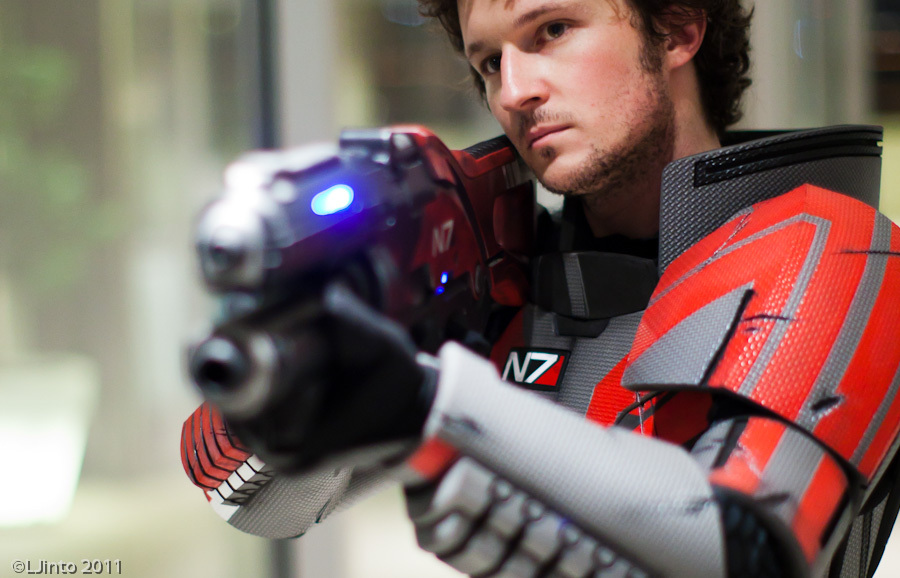 Incredible Mass Effect N7 Armor Suit Up For Auction Just In Time For Halloween Neoseeker Back in the milky way, top combatants in the systems alliance military were given an n7 designation. incredible mass effect n7 armor suit up